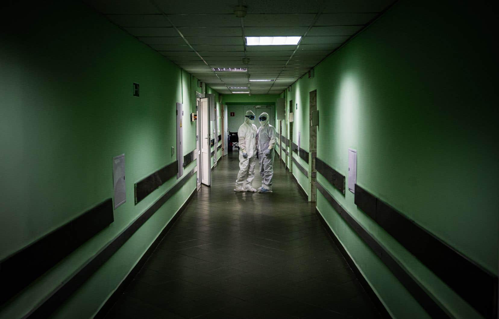 Les autorités russes ont indiqué mardi qu'au moins 101 soignants sont morts du coronavirus dans le pays depuis le début de la pandémie.