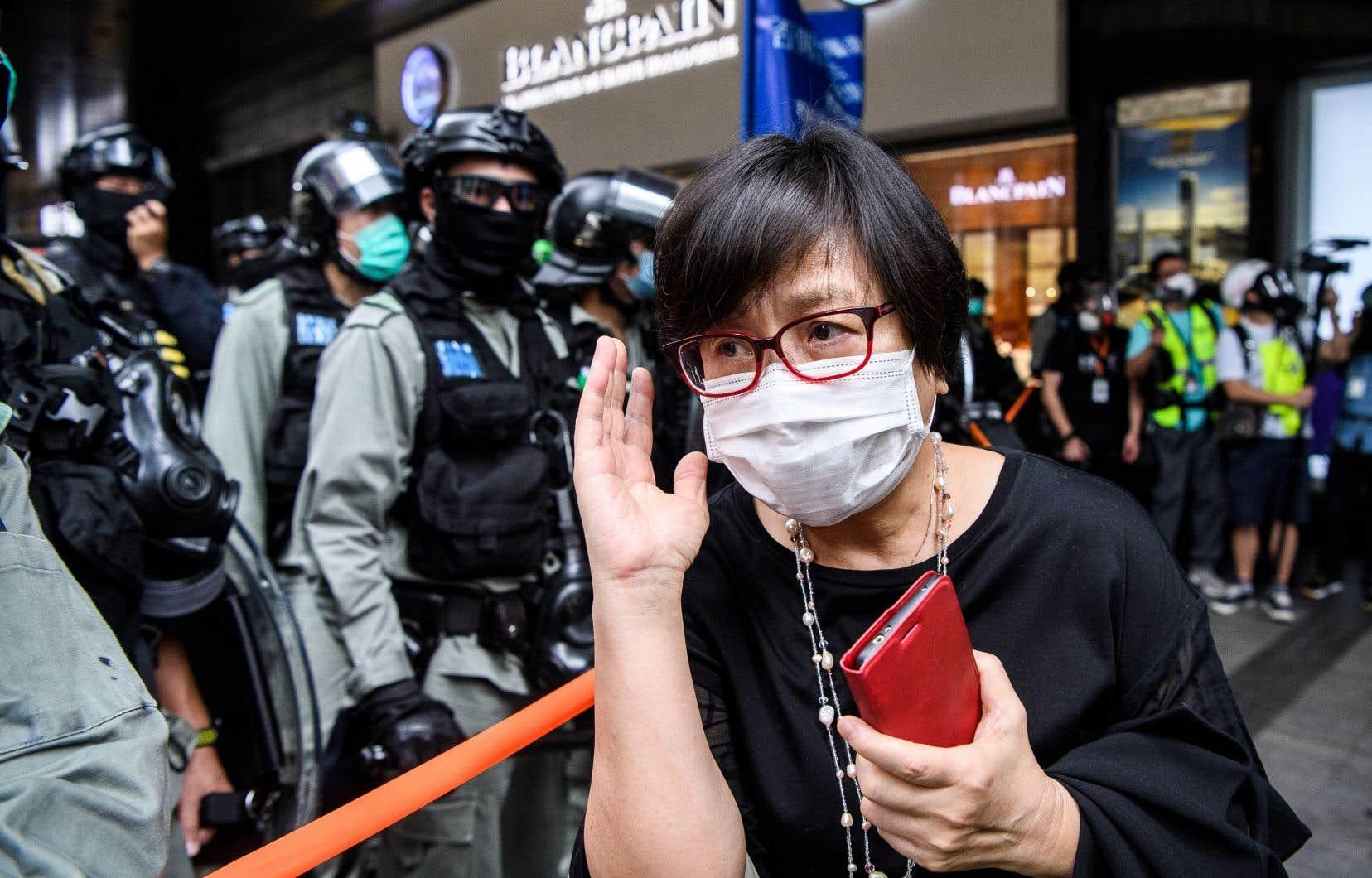 Mercredi, la police de Hong Kong a procédé à plus de 300 arrestations pour «rassemblement illégal».