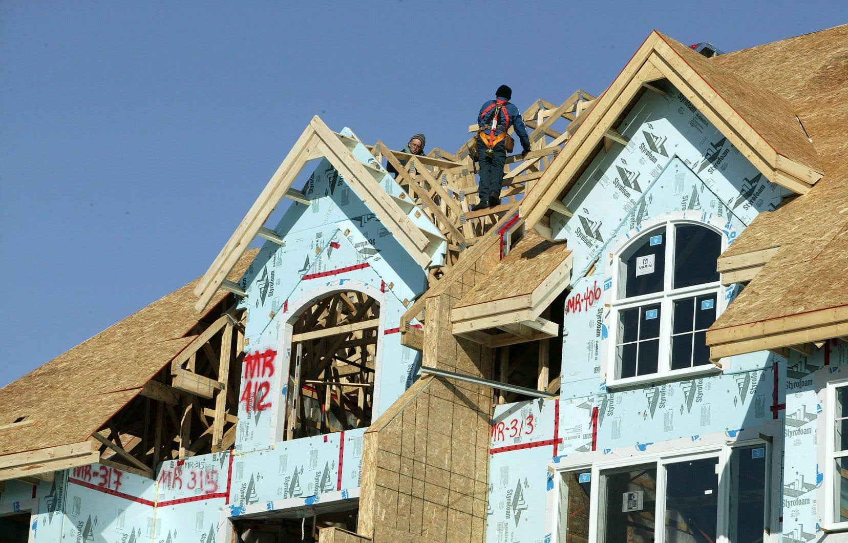 Les mises en chantier devraient subir une baisse de 50% à 75% cette année, selon la SCHL.