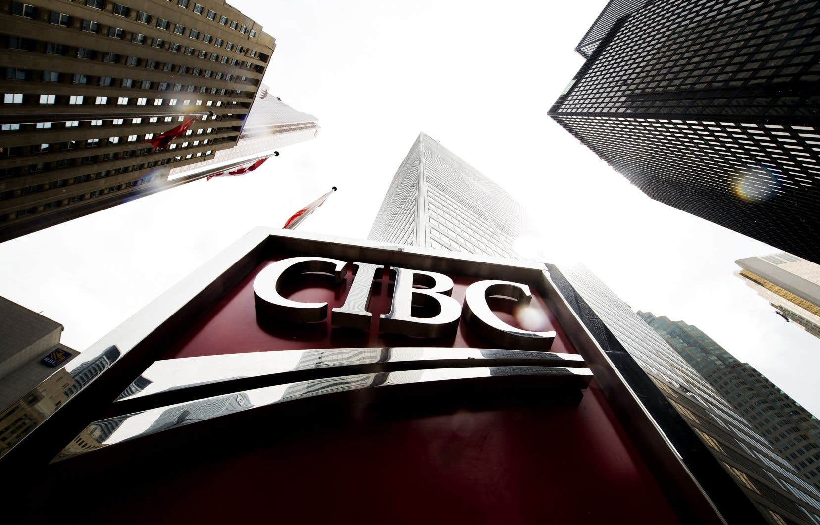La CIBC a gagné 392millions, ou 83 ¢ par action, pour son deuxième trimestre, comparativement à un bénéfice de 1,35milliard, ou 2,95$ par action, au même trimestre l'an dernier.