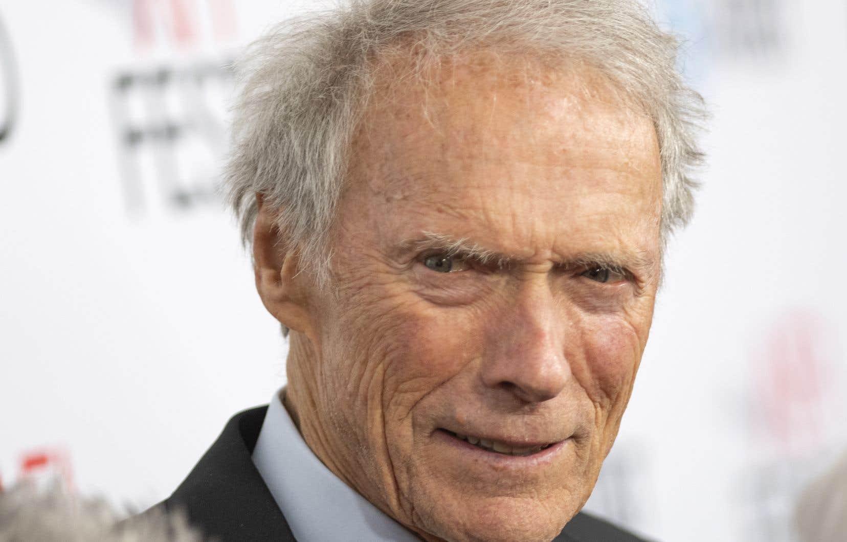 Né en1930, Clint Eastwood a à son actif plus de cinquante films et a commencé sa longue carrière avec des petits rôles dans les années1950 avant d'accéder à la célébrité.