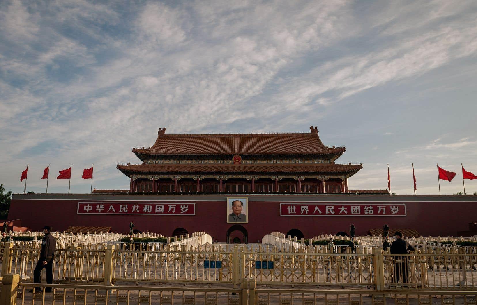 Cette veillée attire chaque année des foules sur le territoire, à la mémoire des victimes de la sanglante intervention de l'armée chinoise le 4juin 1989 sur la place Tiananmen au cœur de Pékin.