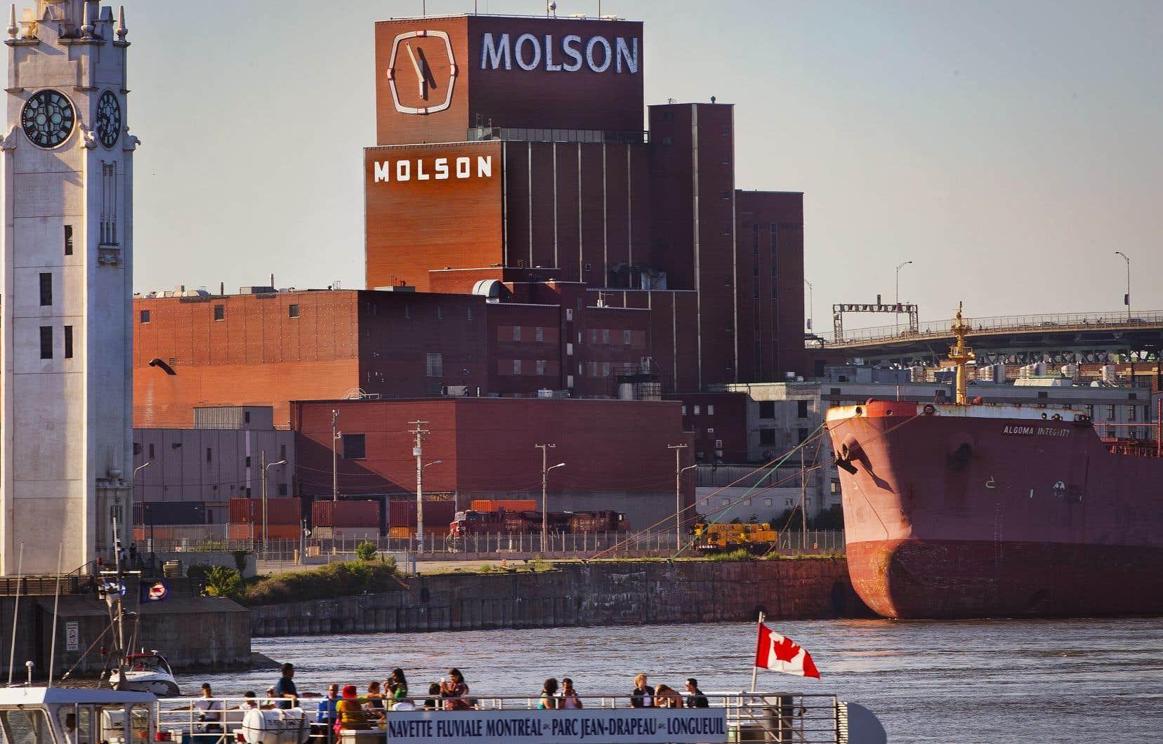 L'entreprise de la rue Notre-Dame à Montréal aura besoin de moins de travailleurs pour son nouveau complexe de Longueuil.