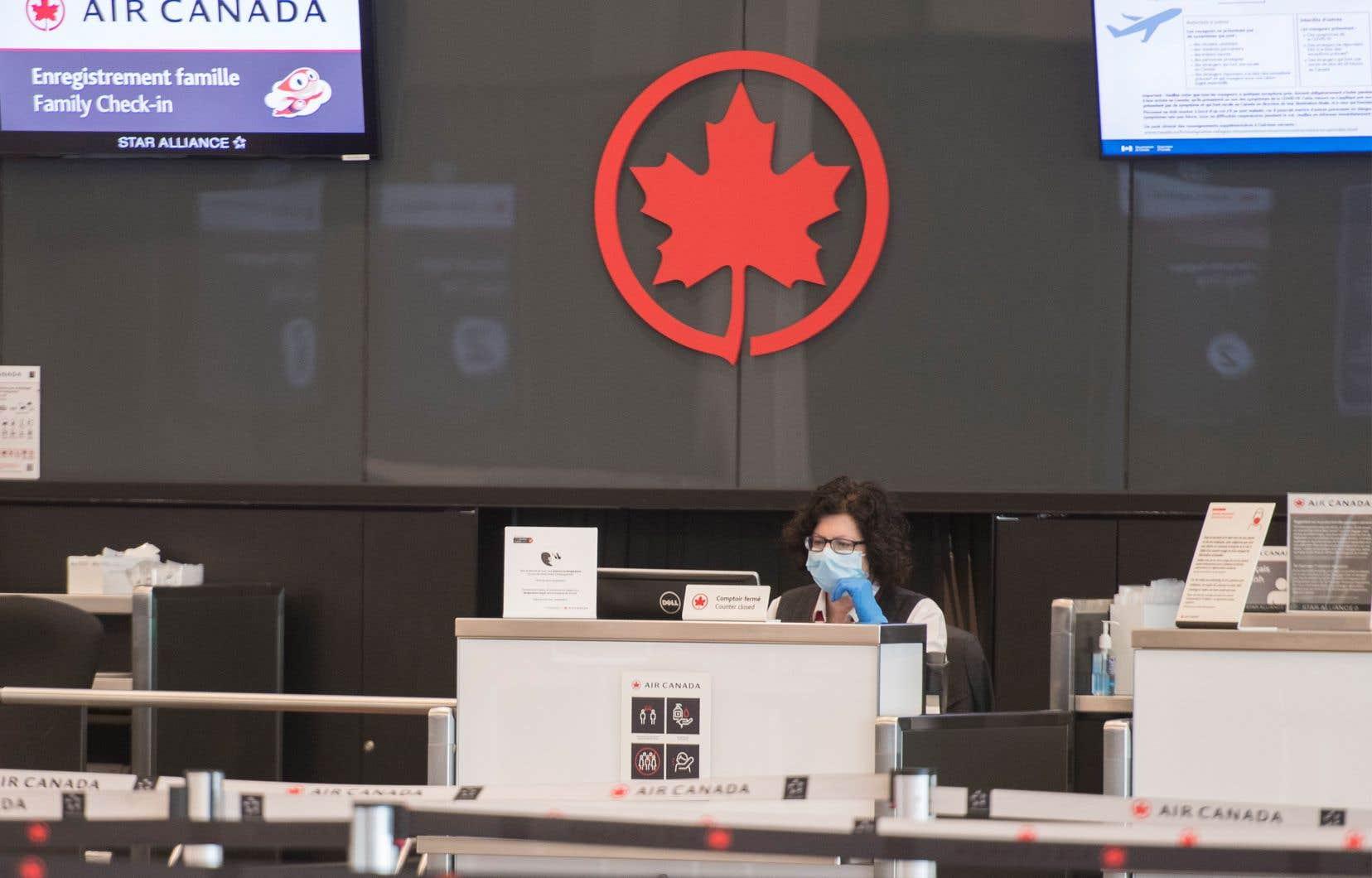 Le transporteur aérien a précisé avoir vendu 35,4millions d'actions avec droit de vote à 16,25$ chacune, pour un produit brut de 575,6millions.