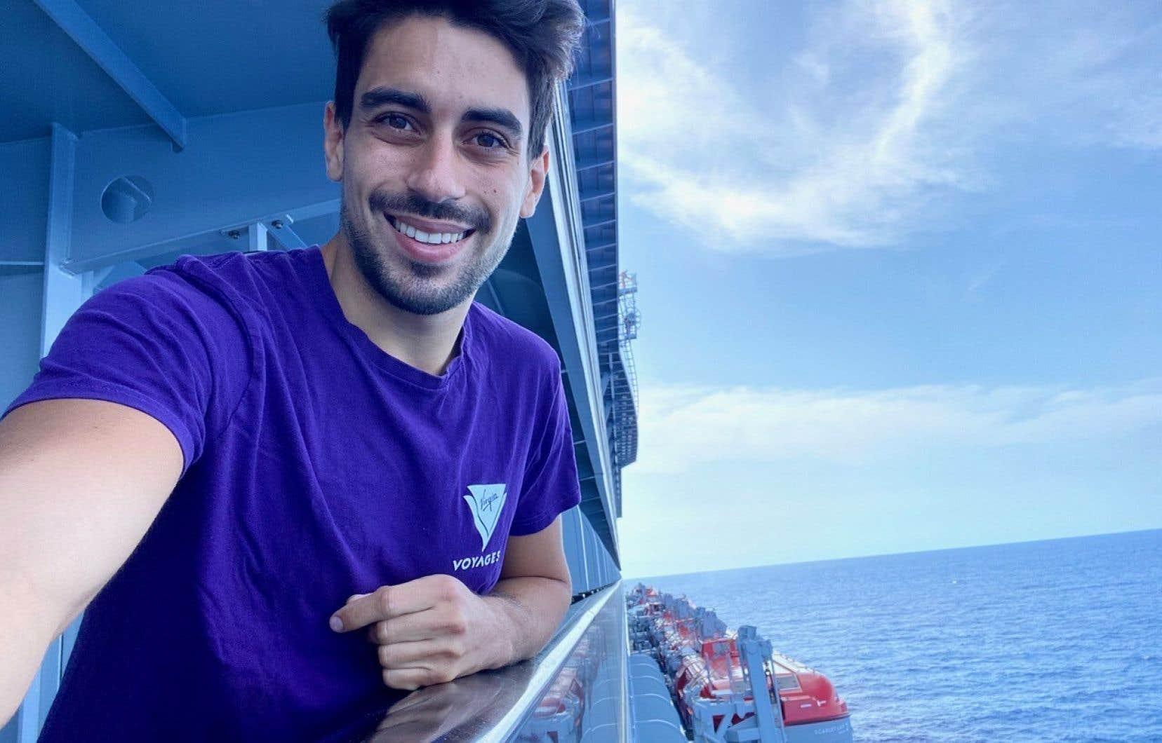 Nicolas Jelmoni, acrobate, confiné sur un bateau depuis 100 jours.