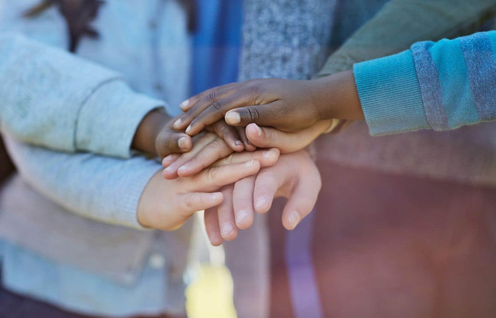 Afin que l'histoire ne se répète, la sensibilisation au racisme systémique est le premier pas, affirme l'autrice.