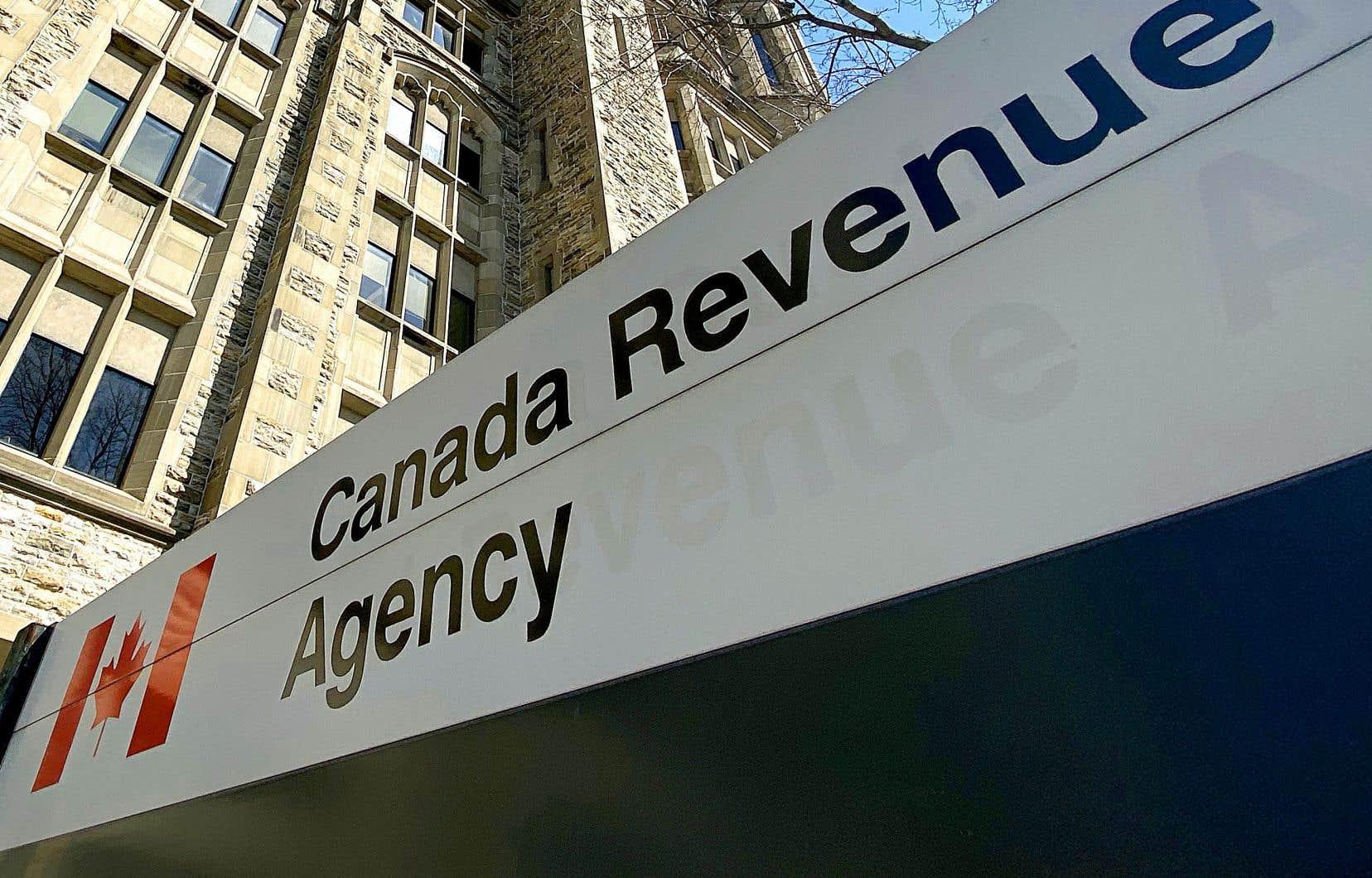 L'Agence du revenu du Canada a mis en place un système permettant aux gens de rembourser immédiatement les montants de PCU reçus auxquels ils n'ont pas droit.