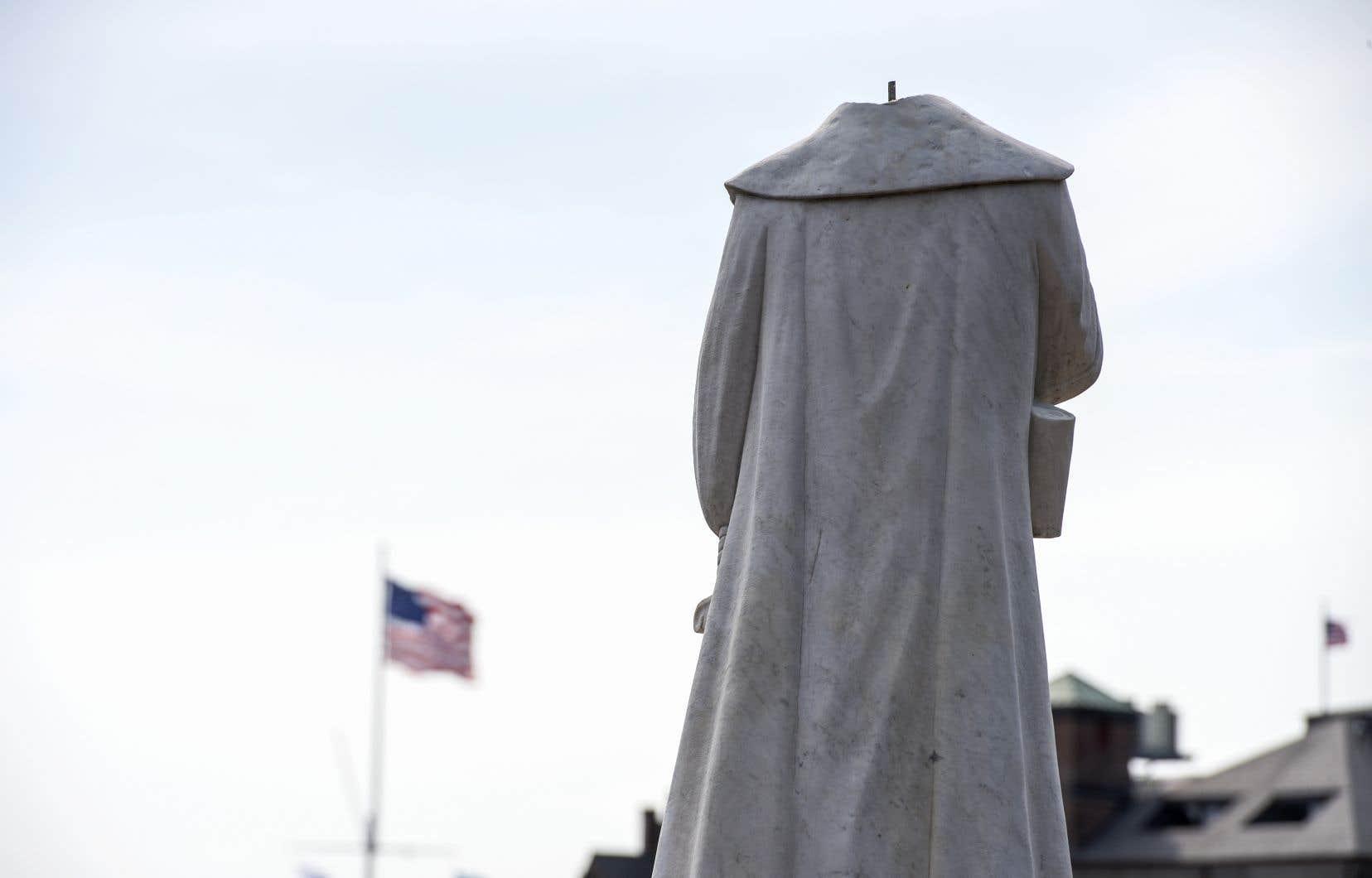 Une statue de Christophe Colomb a été décapitée à Boston.