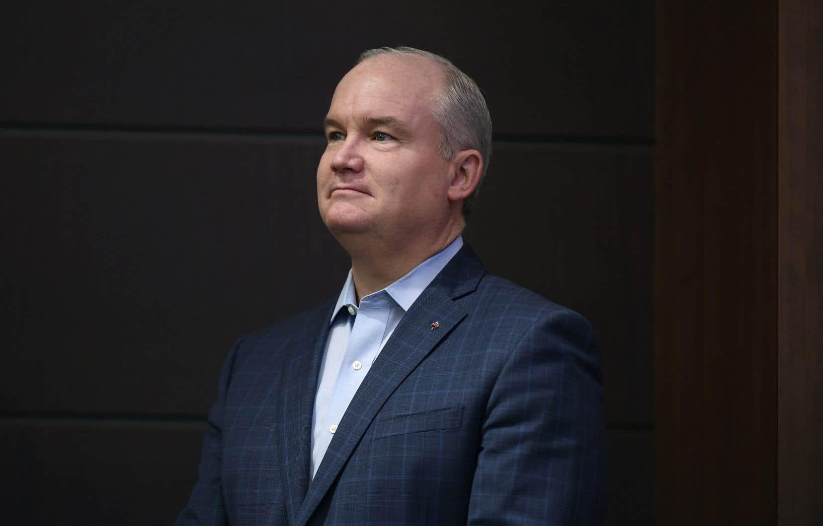 Le député Erin O'Toole est le principal rival de l'ex-ministre Peter MacKay dans la course à la succession d'Andrew Scheer.