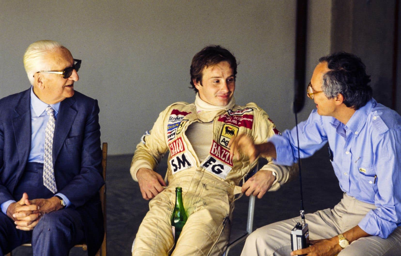Une scène tirée du documentaire «Gilles Villeneuve: à toute vitesse», où on voit le coureur automobile en compagnie d'Enzo Ferrari (à gauche), entre autres.
