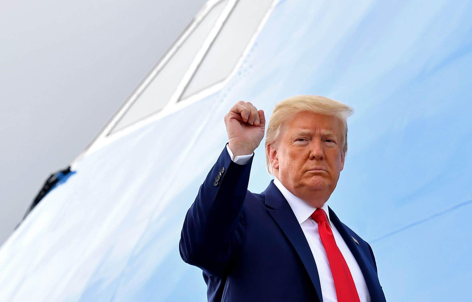 « Il y a toujours des brebis galeuses où que vous alliez. Et je peux vous dire qu'il n'y en a pas beaucoup dans la police », a dit jeudi le président américain, Donald Trump.