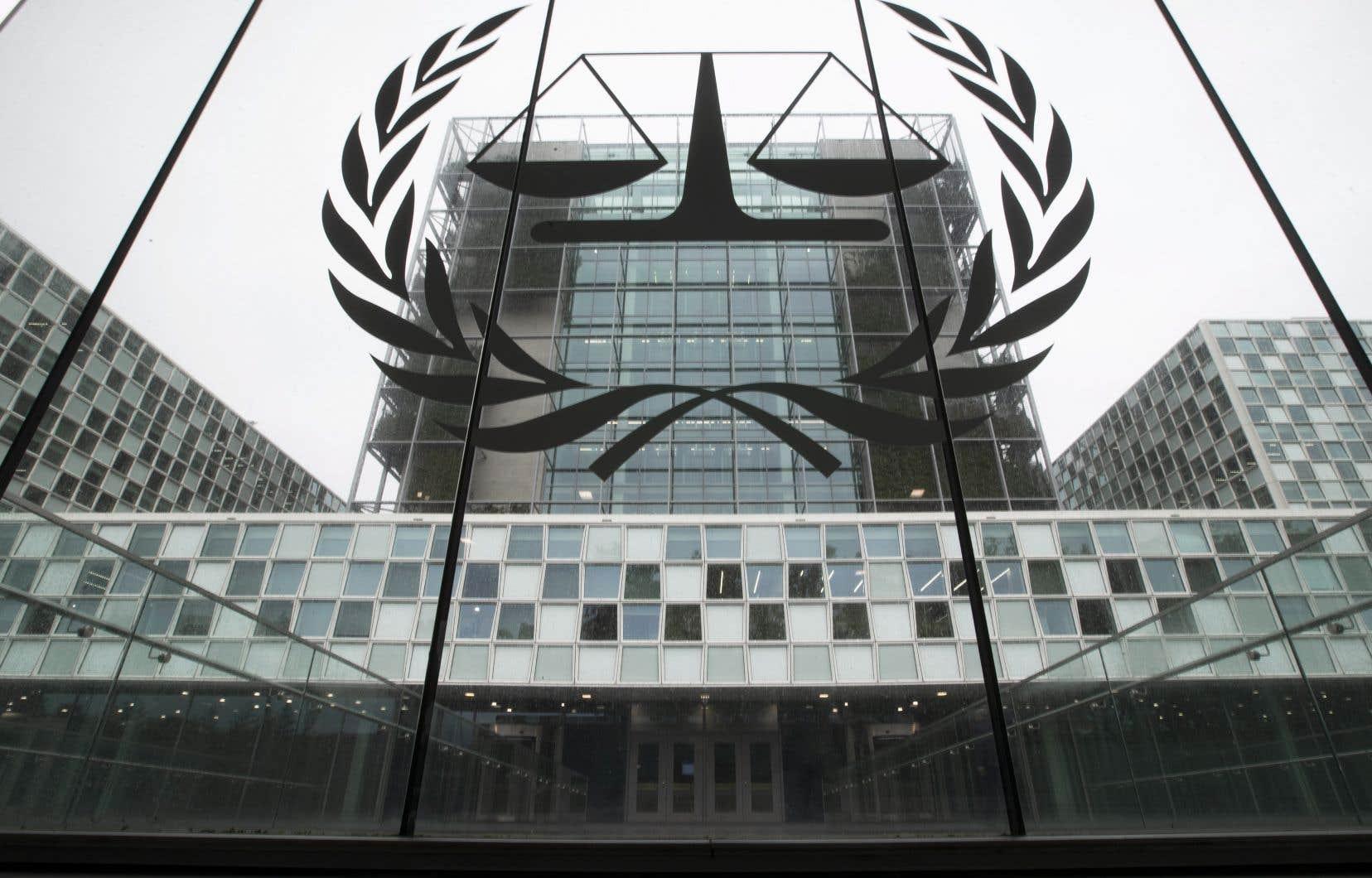 L'enquête souhaitée par la procureure de la Cour, Fatou Bensouda, vise des exactions qui auraient été commises par des soldats américains en Afghanistan.