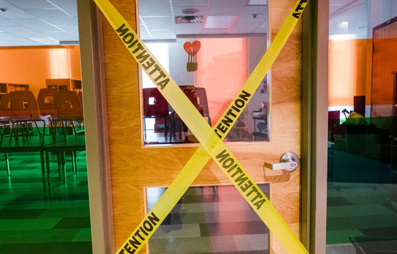 L'accès à la bibliothèque de l'école primaire Saint-Romain est condamné.