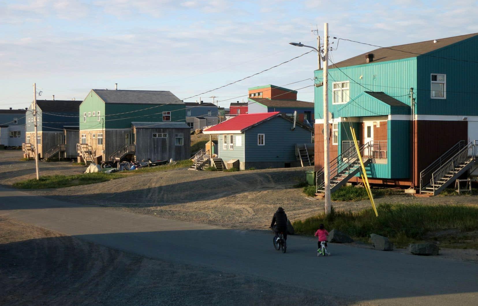 «Le Nunavik est prêt pour que le Corps de police régional Kativik soit dirigé par une personne inuite civile. Le Nunavik a besoin de services de protection de la jeunesse qui reflètent les valeurs, la culture et la langue des Inuits et d'un système de justice qui est établi au Nord et permet aux Inuits d'exercer pleinement leurs droits», plaide Charlie Watt, le président de la Société Makivik.
