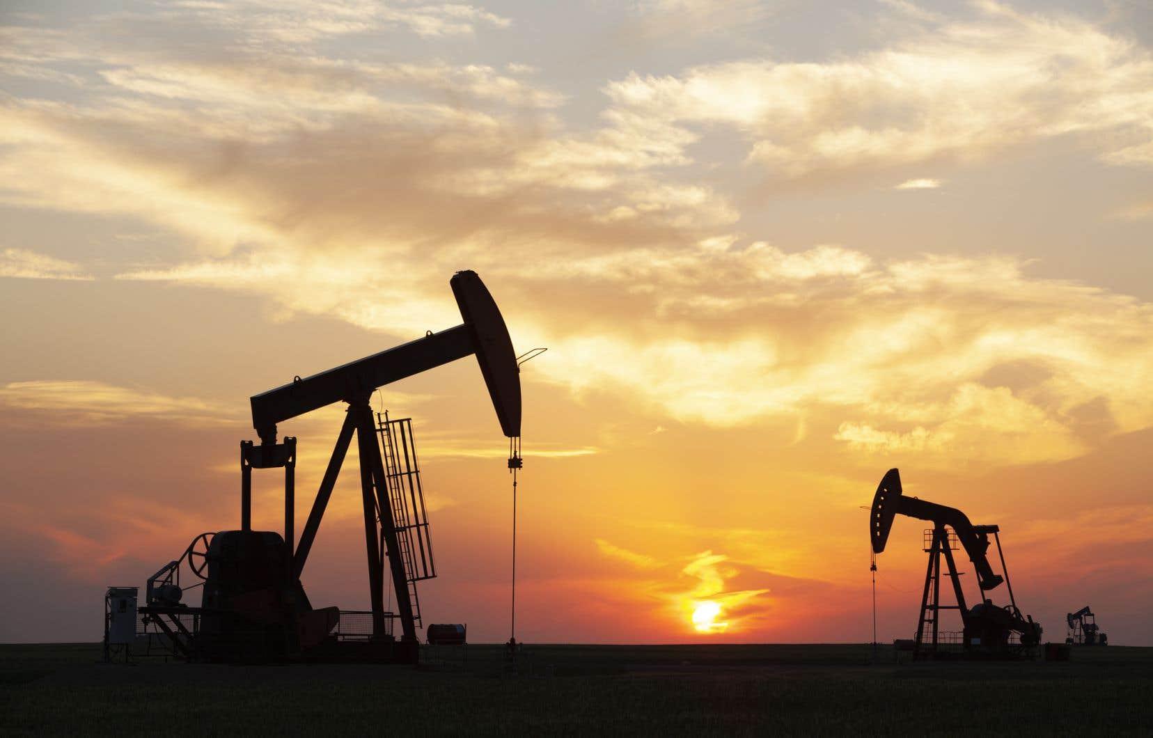 La norme sur les carburants propres constitue l'un des principaux éléments de la stratégie du gouvernement fédéral pour atteindre les objectifs fixés par l'Accord de Paris sur le climat.