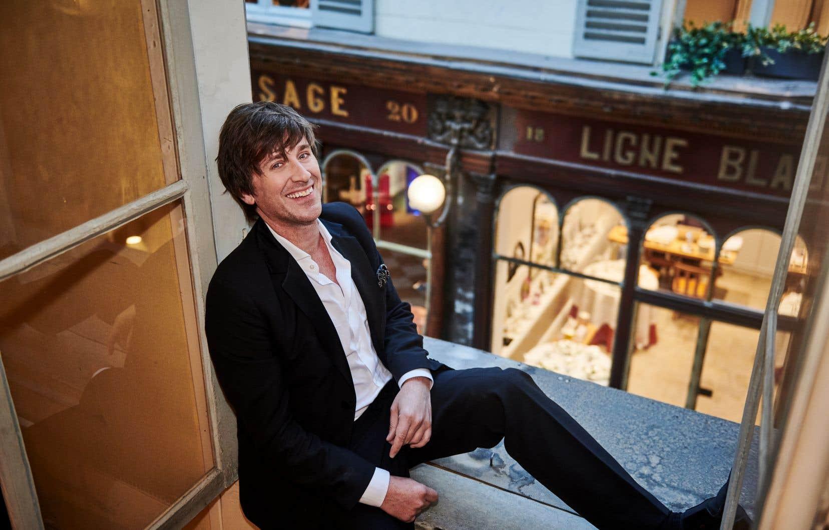 Comment rétablir le prestige de la France? Thomas Dutronc a ressorti de derrière les fagots, pour cet album, les chansons françaises les plus universellement célébrées, et a réuni l'équipe d'élite des musiciens européens, avec lesquelles il les a jouissivement «croonées», comme on dit dans l'Hexagone.