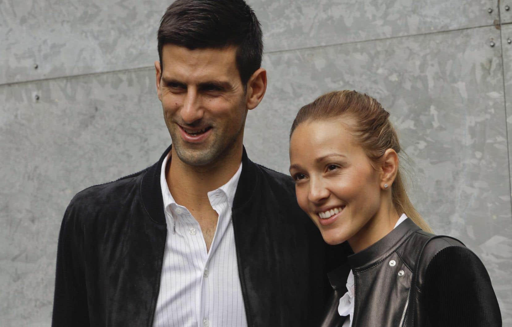 Novak Djokovic et son épouse Jelena ontété déclarés positifs au coronavirus mardi.