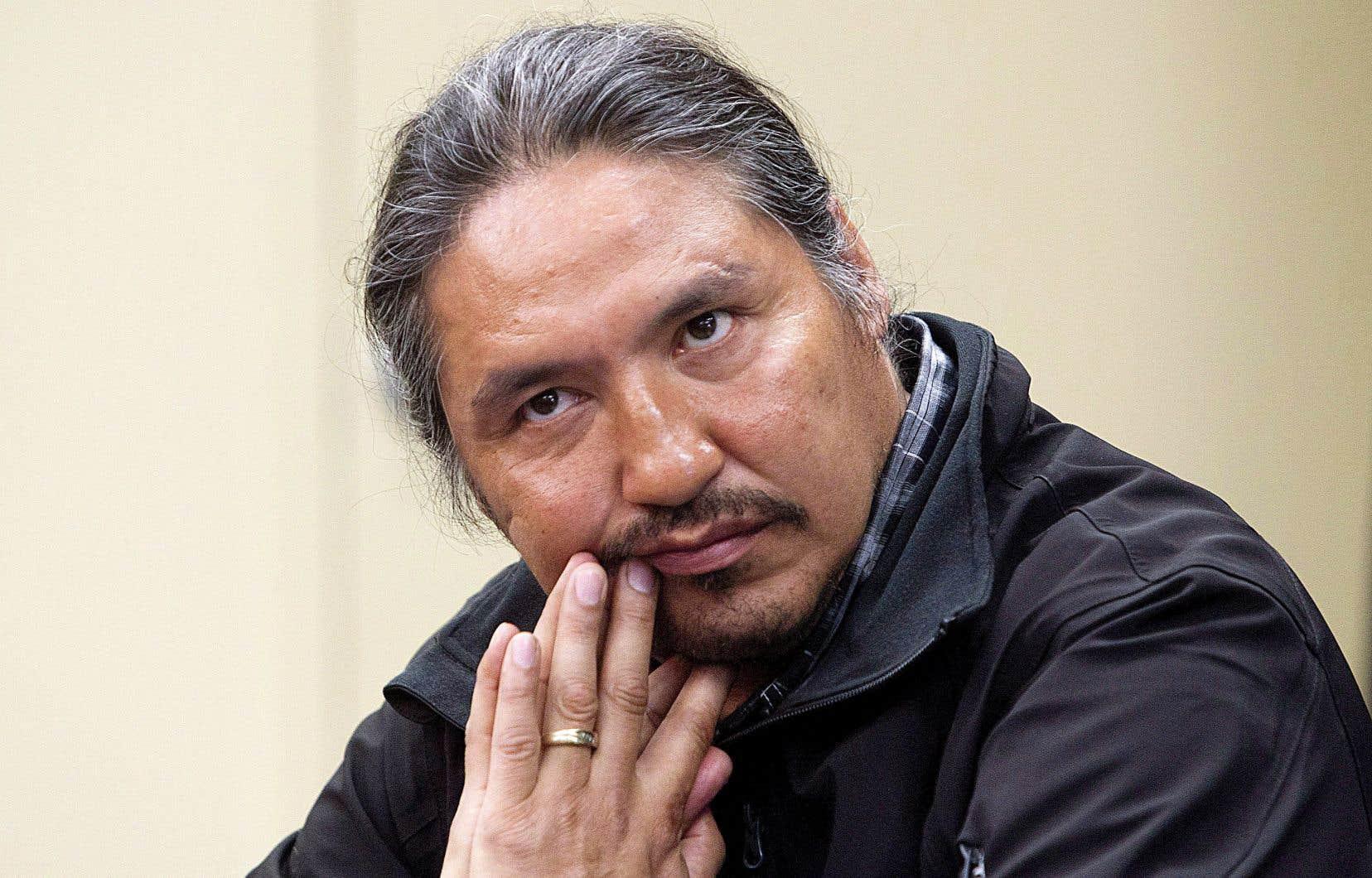 Une vidéo montrant l'arrestation musclée du chef de la Première Nation chipewyanne d'Athabasca, Allan Adam, a semé l'émoi et nourri le débat sur le racisme systémique au sein des corps policiers au Canada.