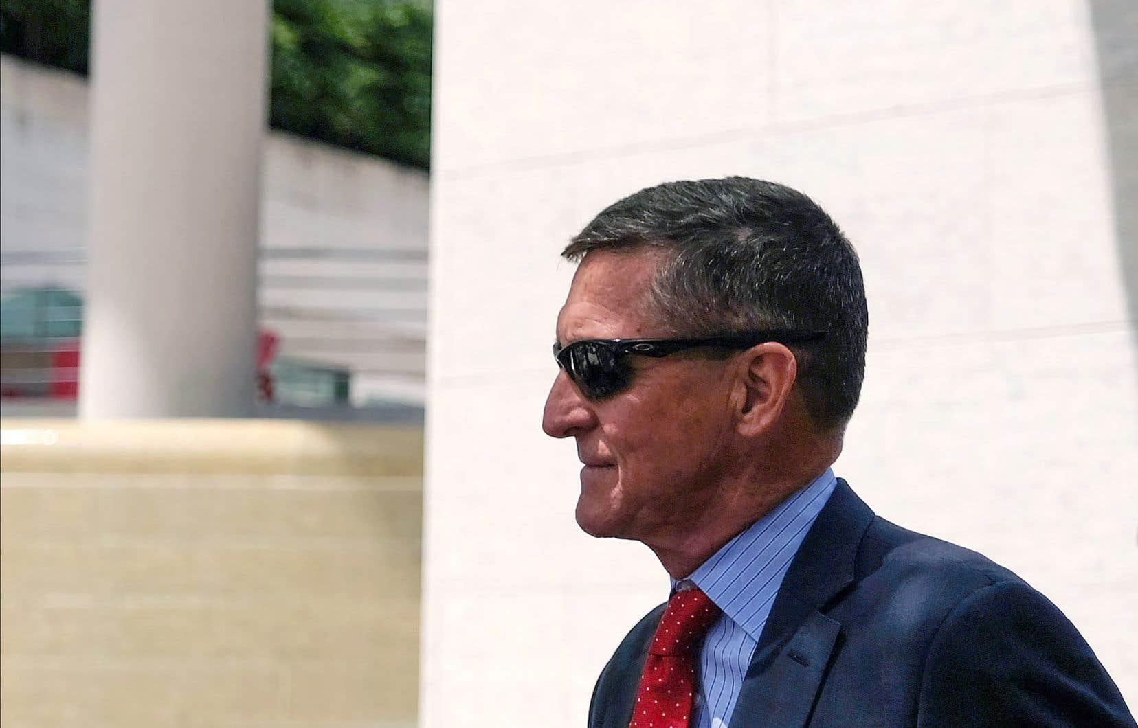 Une cour fédérale d'appel a donné raison au gouvernement républicain qui avait retiré en mai les accusations contre Michael Flynn.