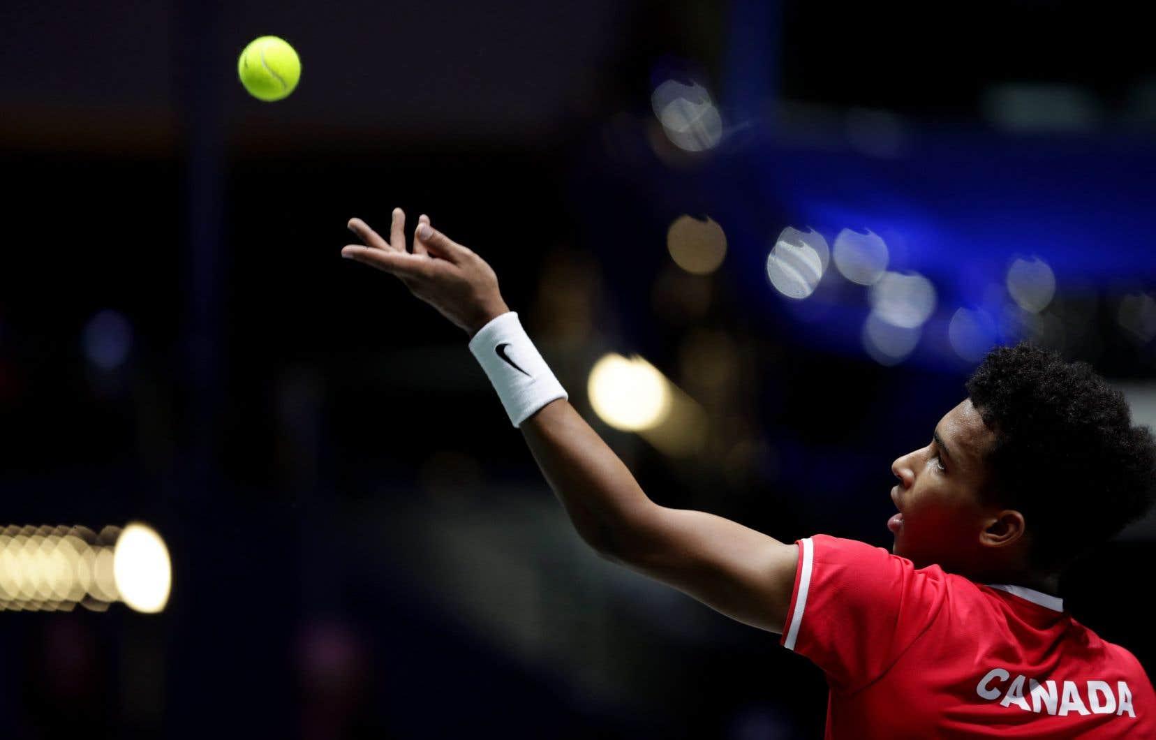 Félix Auger-Aliassime en finale de la coupe Davis en 2019. Le Canada s'était incliné devant l'Espagne.