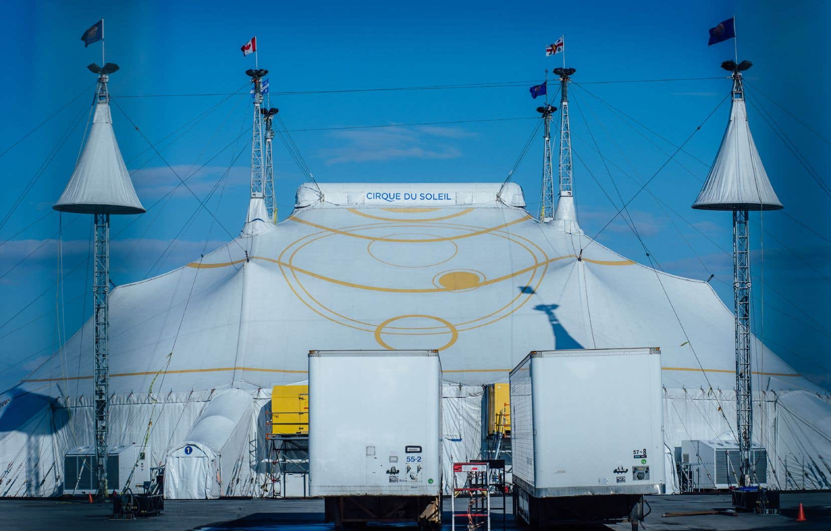 Le Cirque du Soleil, dont on voit ici le chapiteau du Vieux-Port de Montréal, ne génère aucun revenu puisque ses activités sont paralysées en raison de la crise sanitaire provoquée par la pandémie de COVID-19