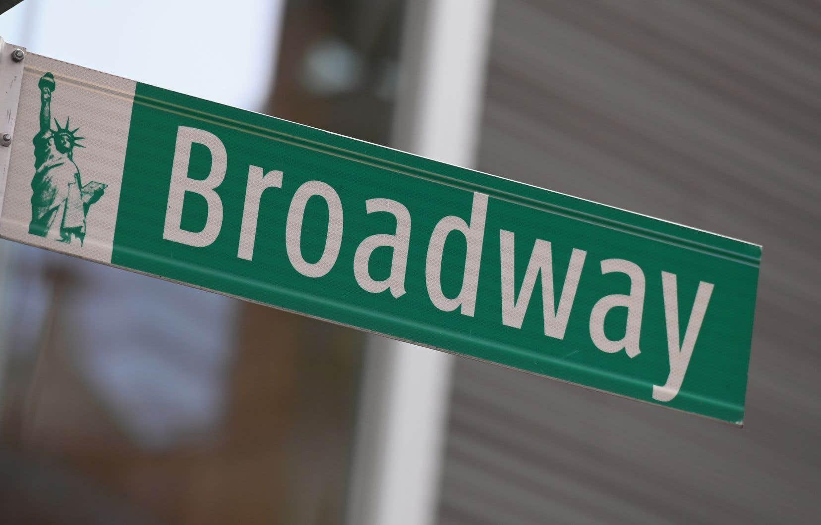 Les théâtres de Broadway, une des grandes attractions new-yorkaises, fermés depuis mars pour cause de pandémie, resteront fermés au moins jusqu'en janvier 2021.