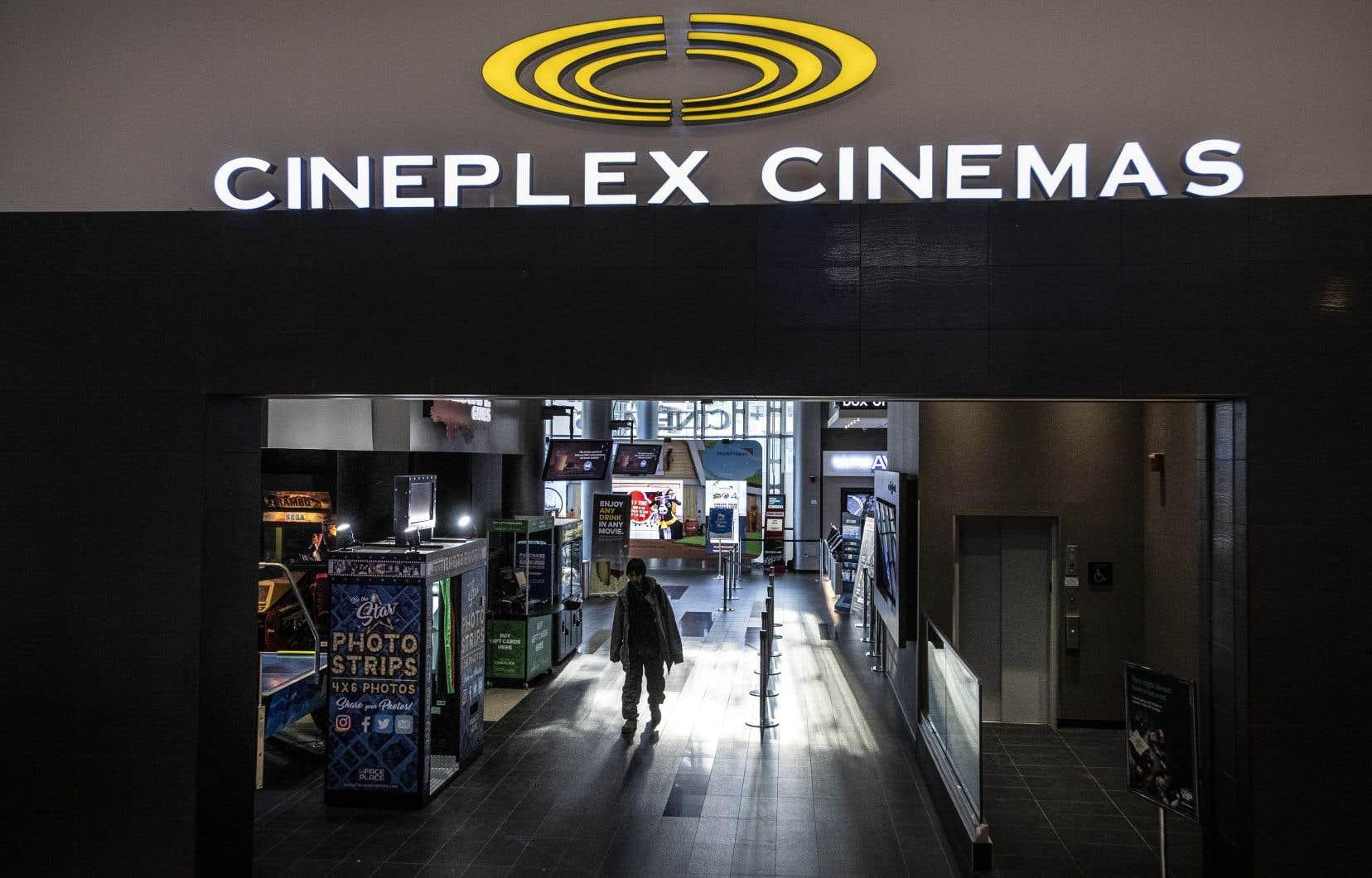 L'entreprise torontoise ouvrira vendredi certaines salles en Colombie-Britannique, en Saskatchewan, au Québec, au Nouveau-Brunswick, en Nouvelle-Écosse et à Terre-Neuve-et-Labrador. Sur la photo, un cinéma de Toronto