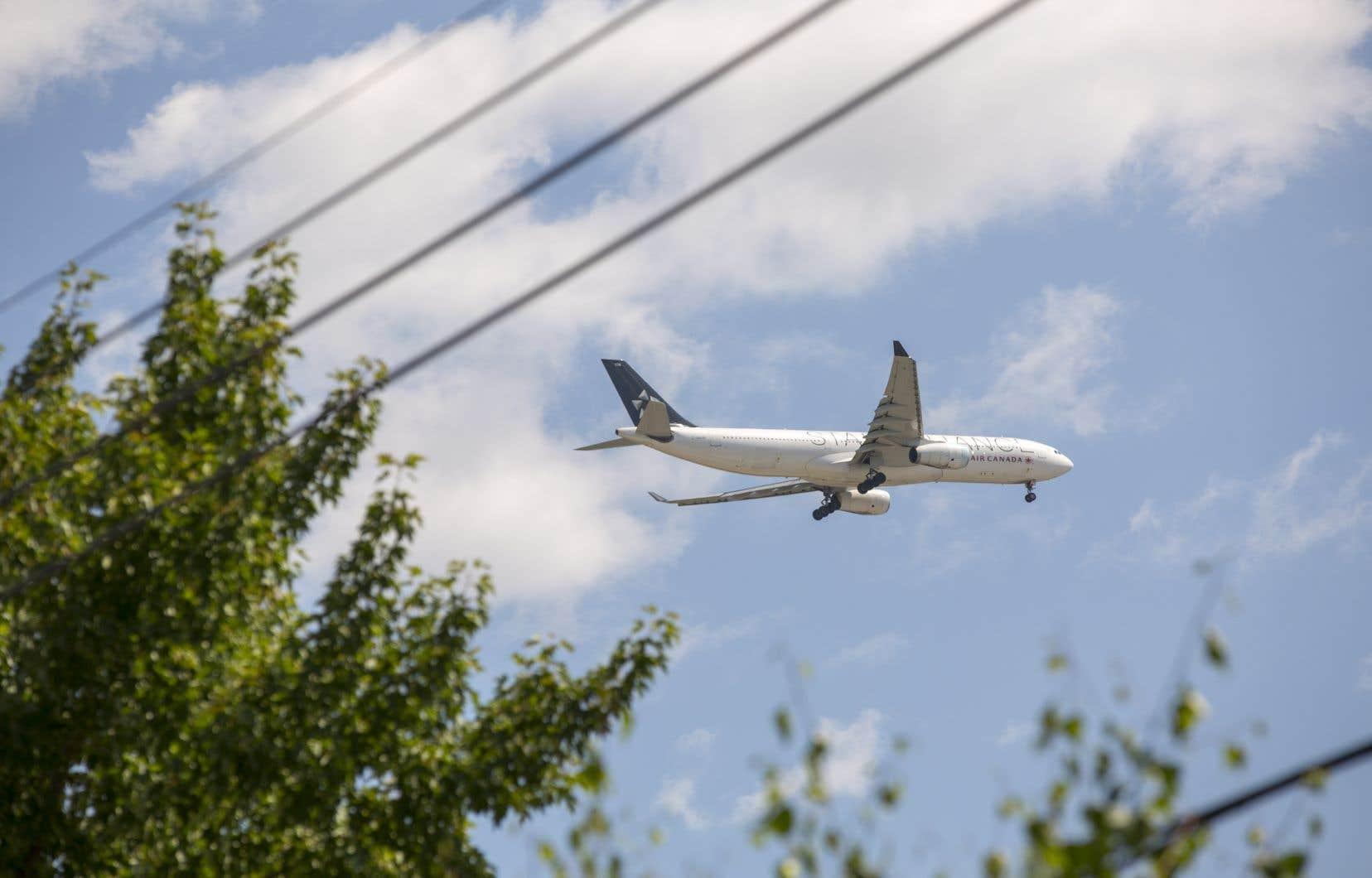 L'objectif de Corsia, tel qu'adopté en 2016, visait à atteindre «la neutralité de la croissance carbone», c'est-à-dire maintenir le niveau des émissions de gaz à effet de serre du secteur de l'aviation atteint en 2020.