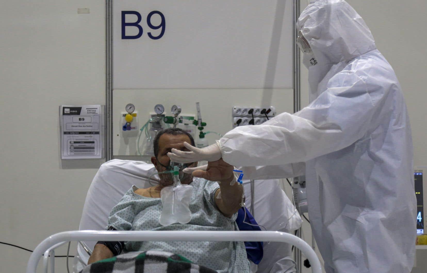 Les États de Sao Paulo et de Rio de Janeiro sont les plus affectés, avec respectivement 15030 et 10198 décès pour près de 290000 et 116000 contaminations.