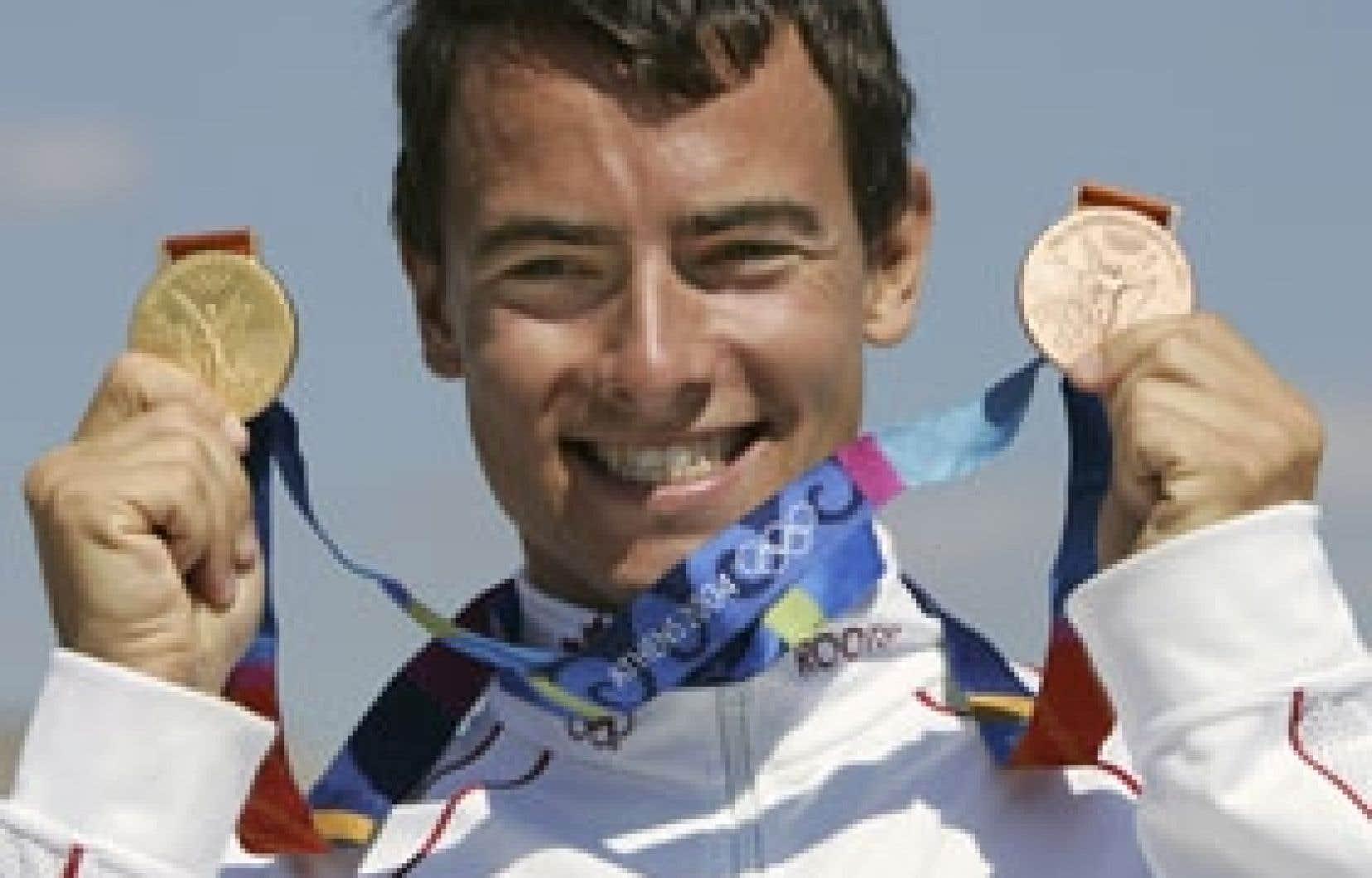 Jeux olympiques de p kin van koeverden sera la t te de la d l gation canadienne de 331 - Coup d eclat 2004 streaming ...