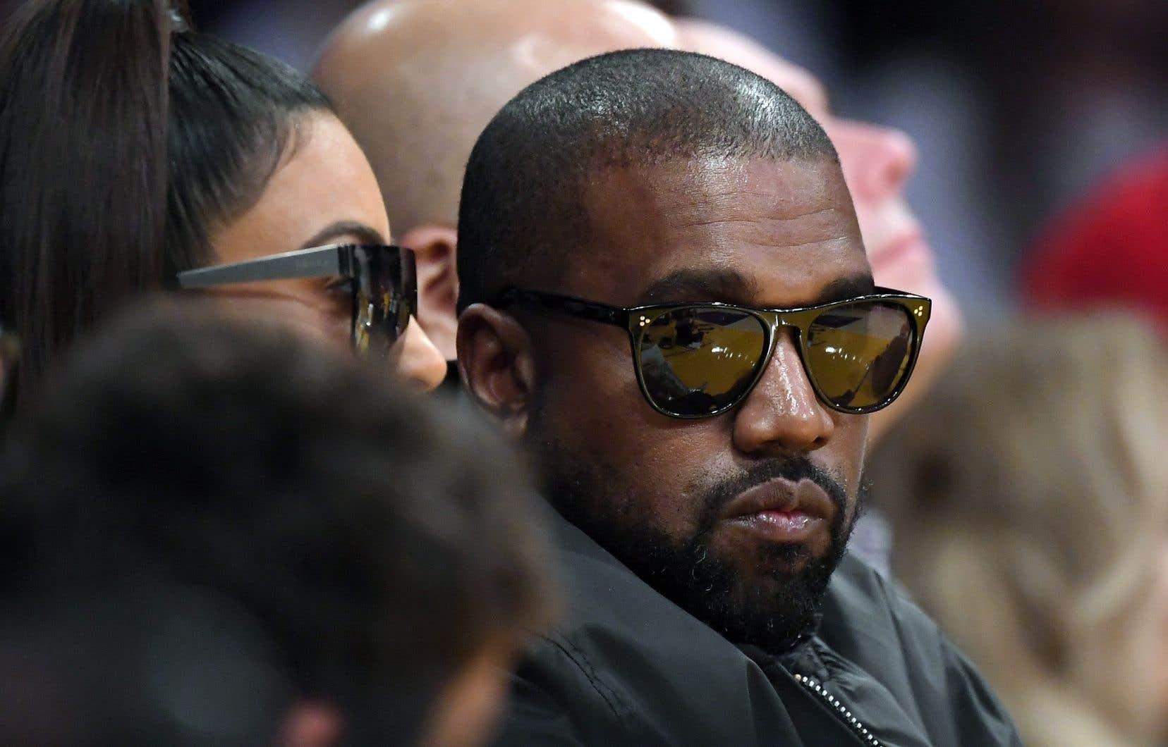 «Nous devons maintenant accomplir la promesse de l'Amérique en ayant confiance en Dieu, en unifiant nos visions et en construisant notre avenir. Je suis candidat à la présidence des États-Unis! #2020VISION» a publié sur Twitter Kanye West.