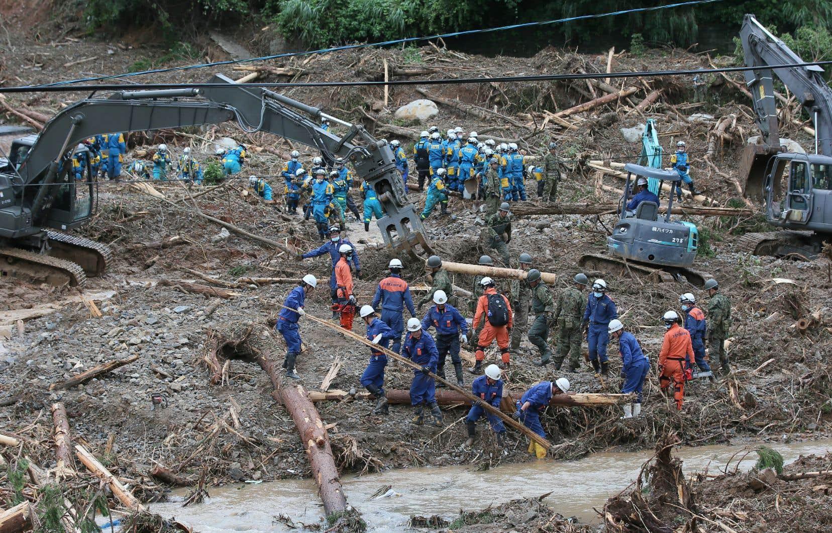 La saison des pluies bat son plein au Japon, une période à hauts risques en matière d'inondations, coulées de boue et glissements de terrain.