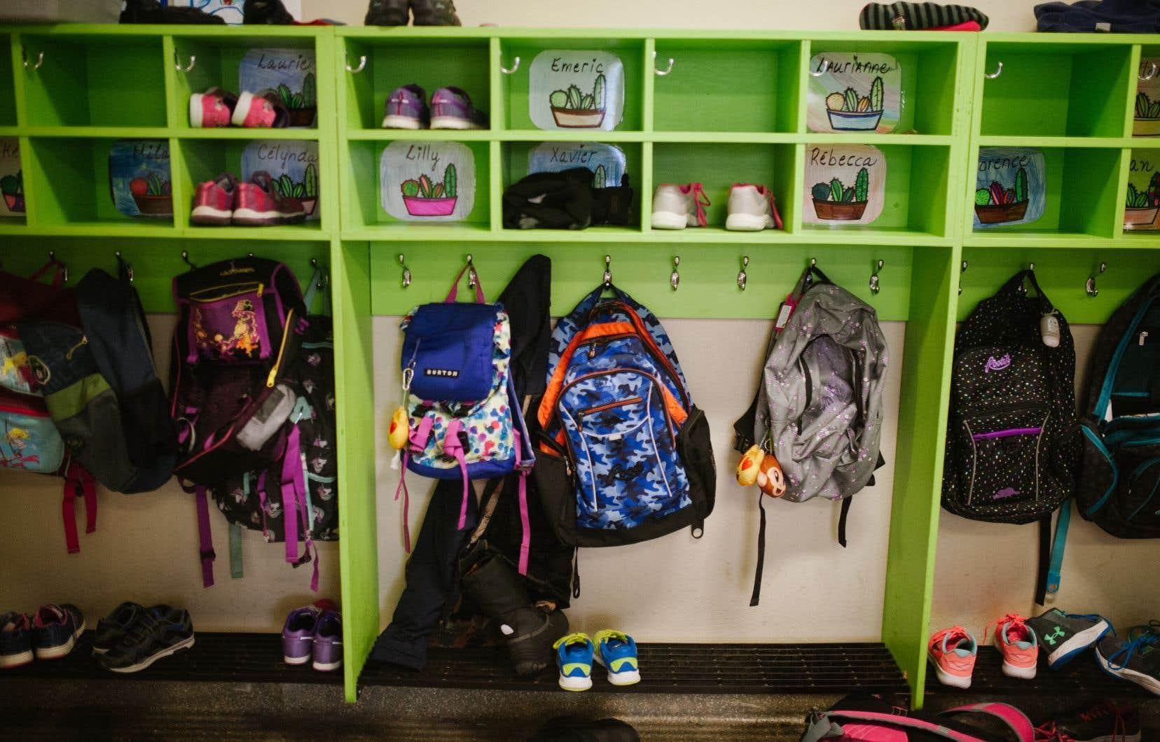 «Les gens vont se rendre compte assez vite de la lourdeur actuelle dans la gestion des écoles primaires et secondaires», écrit l'auteur.