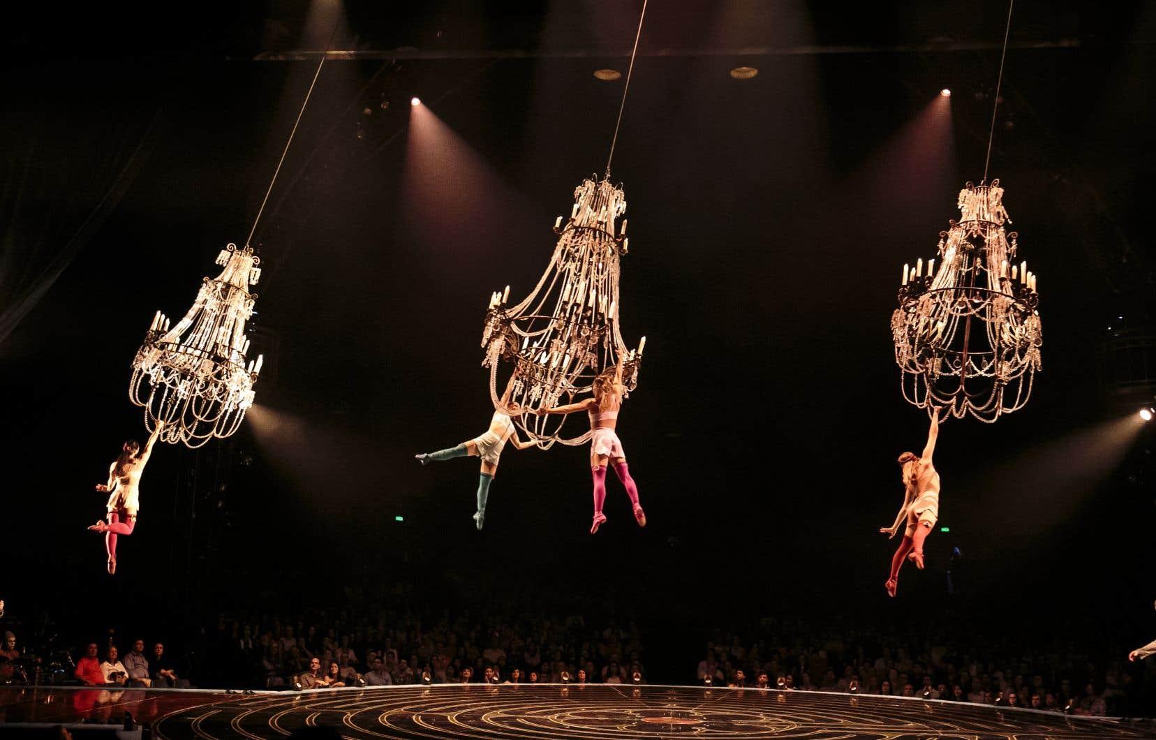 Au Canada, le Cirque, qui est privé de revenus en raison de la pandémie de COVID-19, s'est tourné vers la Loi sur les arrangements avec les créanciers des compagnies (LACC), une décision qui s'est notamment soldée par 3480 licenciements