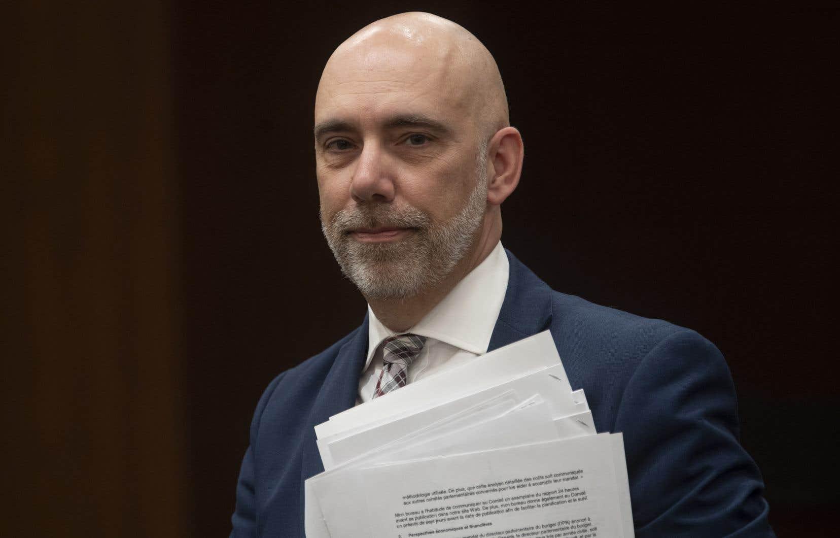 Le directeur parlementaire du budget, Yves Giroux, a présenté mardi trois estimations, à partir de scénarios qui réduisent progressivement la prestation de 0,50$, de 0,25$ et de 0,15$ pour chaque dollar de revenu d'emploi, pour les six derniers mois de l'exercice 2020-2021.