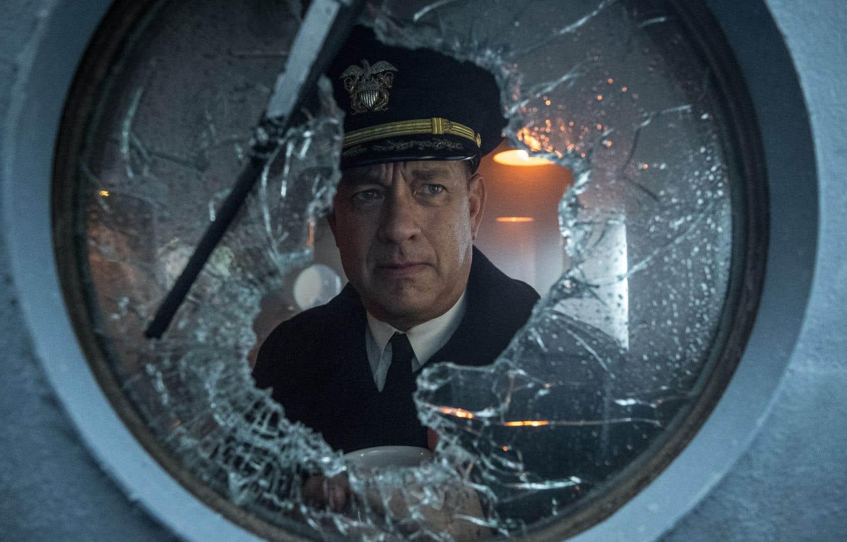 <i>«</i>USS Greyhound<i>»</i> a été écrit par Tom Hanks, qui y incarne le rôle d'un capitaine escortant un convoi de navires alliés dans leur traversée de l'Atlantique Nord, écumé par les sous-marins allemands durant la Seconde Guerre mondiale.