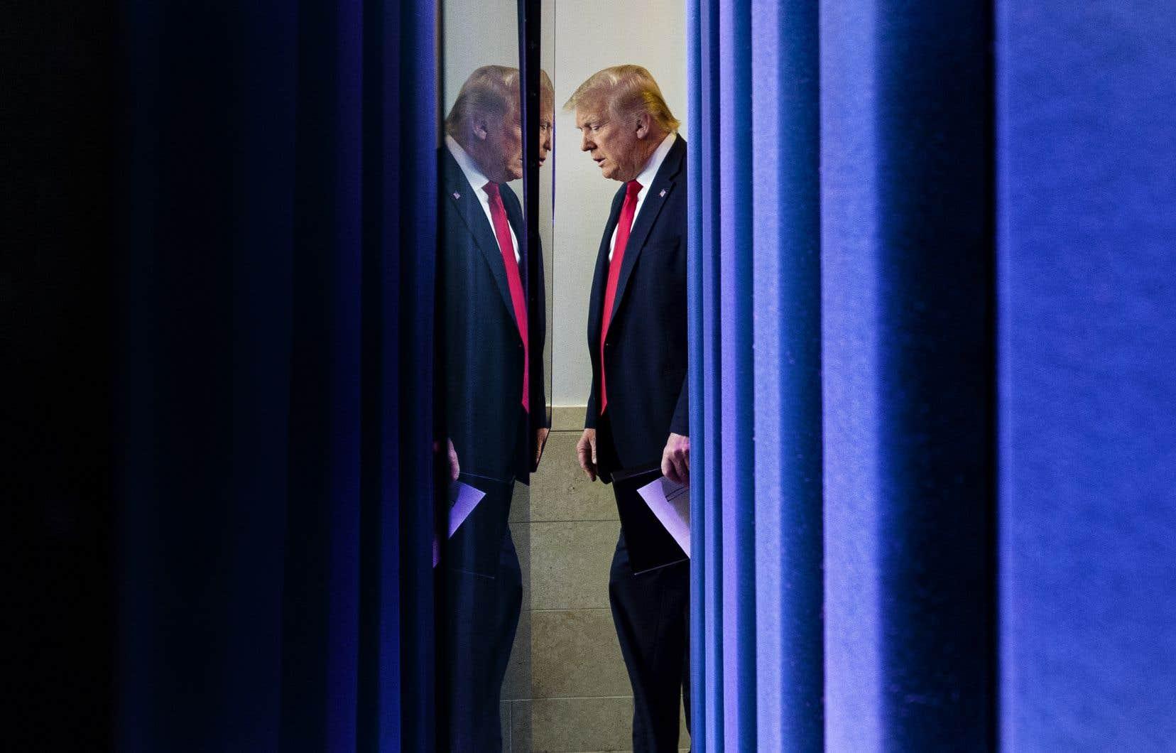 La Cour suprême bat ainsi en brèche la large conception qu'a M. Trump de son immunité présidentielle, mais ce revers infligé au locataire de la Maison-Blanche ne devrait pas permettre aux citoyens américains d'en savoir plus sur ses finances avant la présidentielle du 3 novembre.