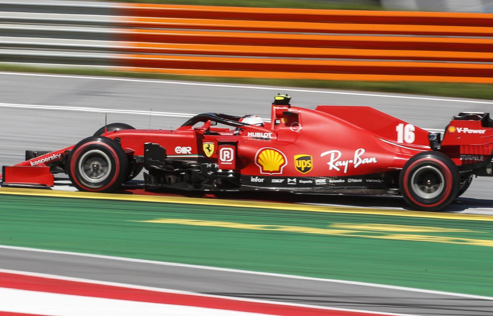 La deuxième place de Leclerc au final tient davantage de son calme au travers tous les accrochages et sorties de piste qu'à la vitesse de la voiture.