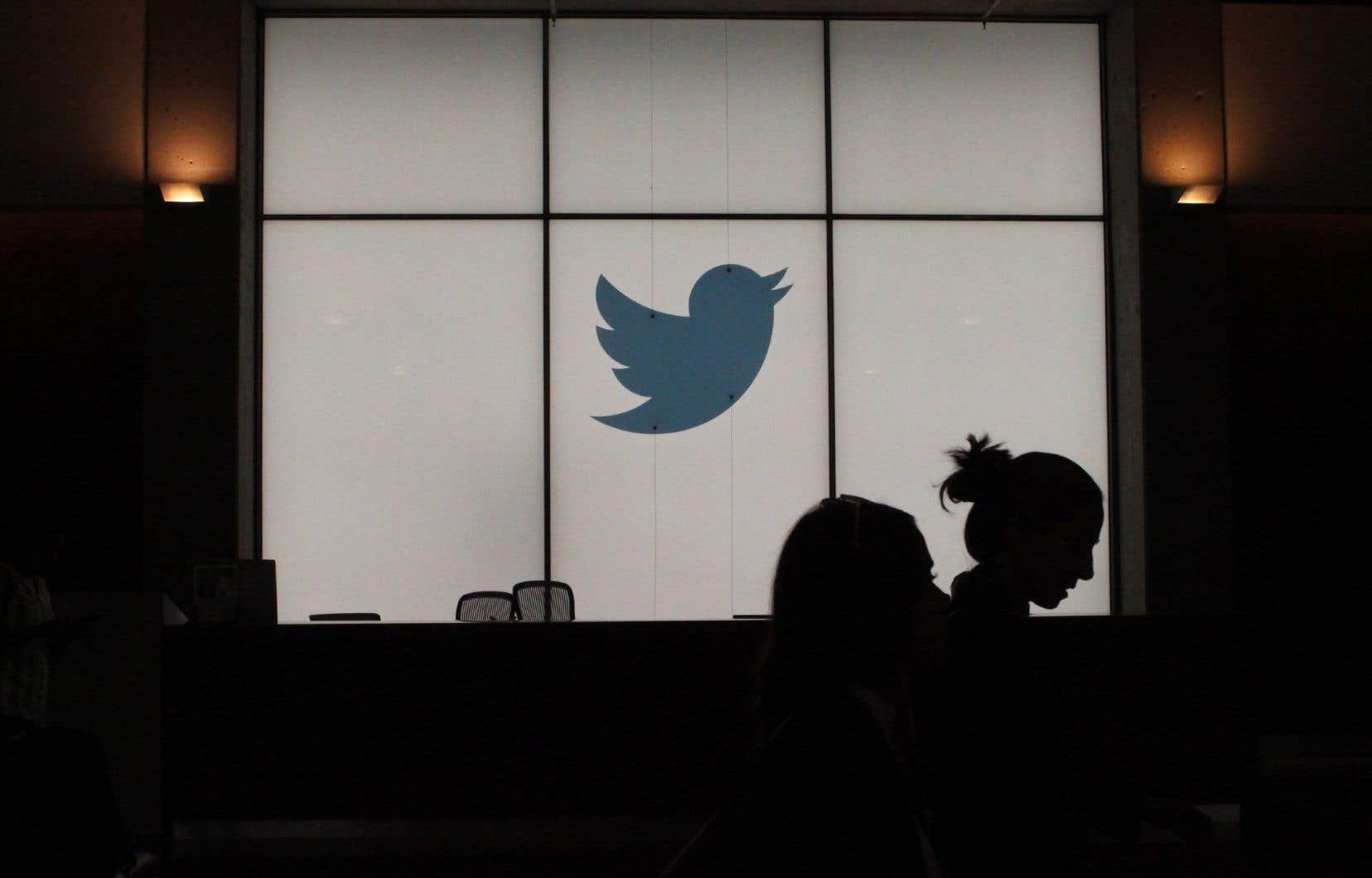 «Nous avons détecté ce que nous pensons être une attaque technologique coordonnée conduite par des individus qui ont ciblé avec succès certains de nos employés ayant accès aux systèmes et outils internes», a expliqué Twitter.