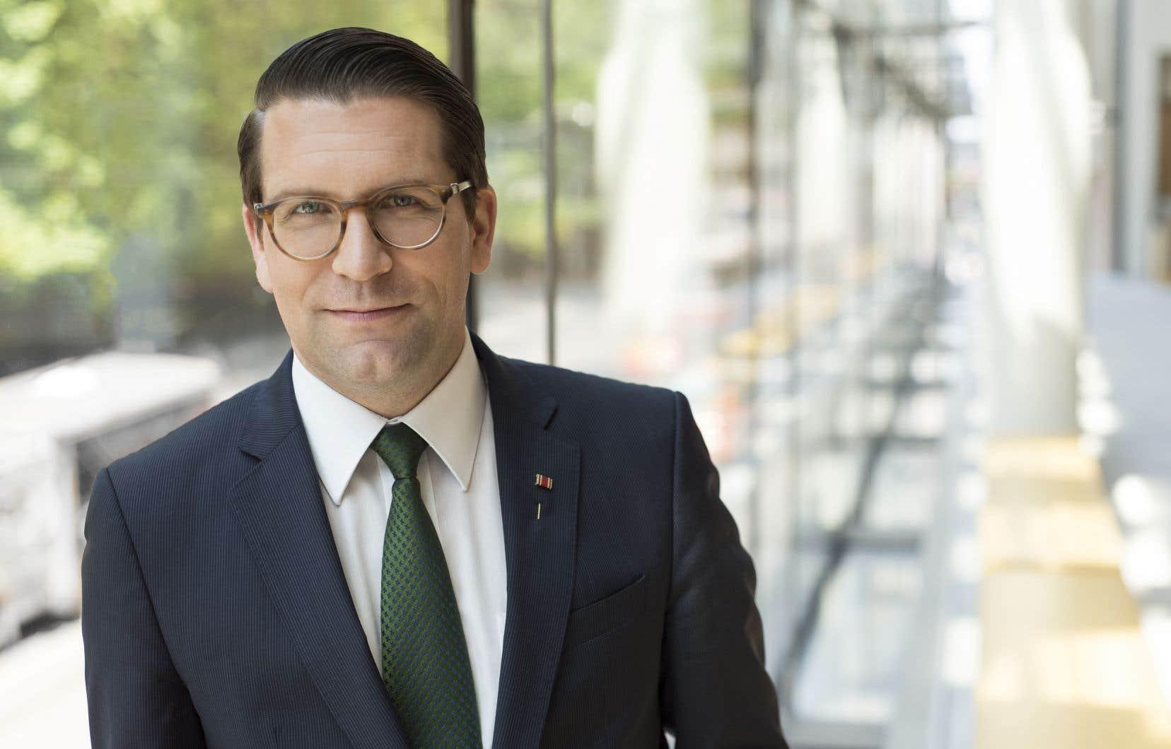 Alexander Neef abordera sa tâche à l'Opéra de Paris dans un «état d'esprit positif». «Je fais confiance à la Maison, aux gens de la Maison, capables dans leur travail et dévoués à l'avenir de l'institution.»