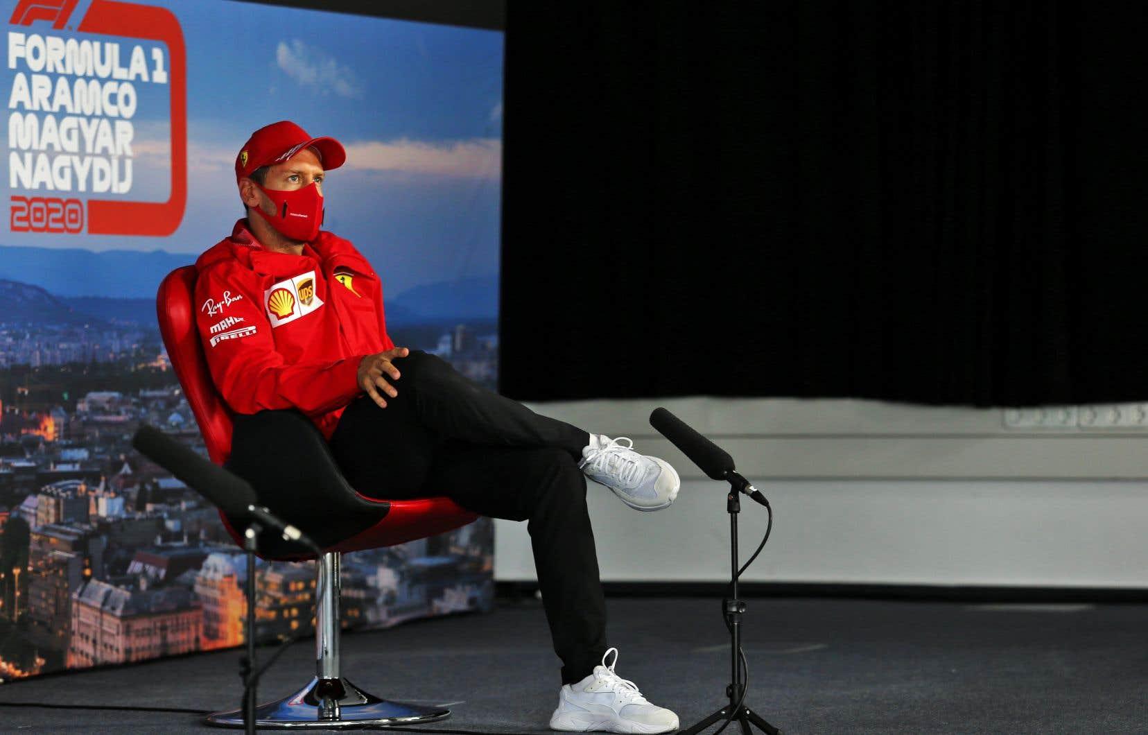 Sebastian Vettel a admis jeudi avoir des discussions informelles avec l'écurie britannique Racing Point.