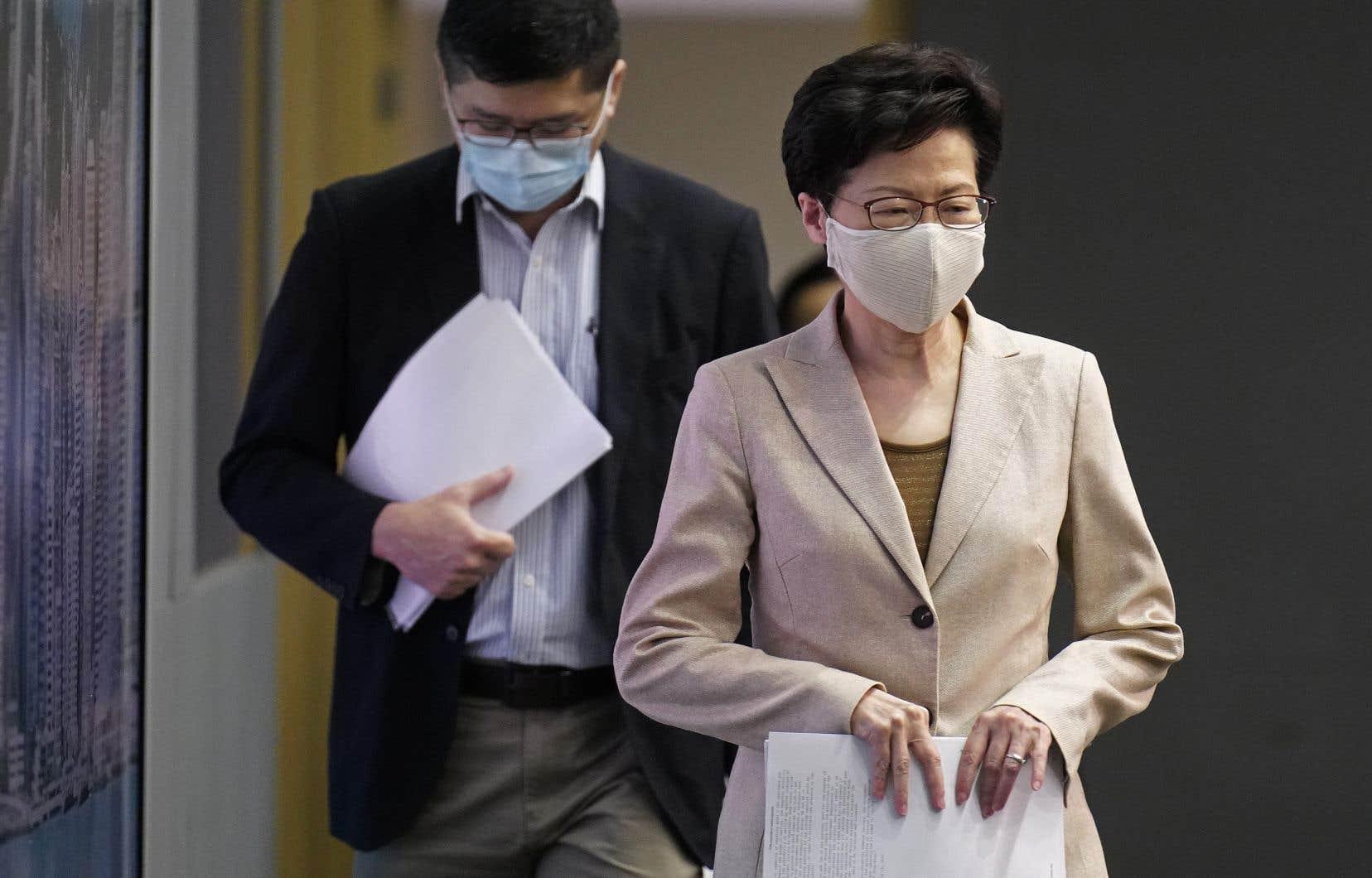 «Je crois que la situation est vraiment critique et rien ne permet de penser qu'elle soit en train d'être maîtrisée», a déclaré dimanche la cheffe de l'exécutif hongkongais, Carrie Lam.