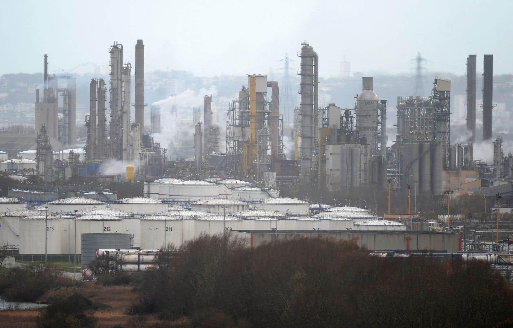 Une raffinerie du géant pétrolier Total, à Gonfreville-l'Orcher en France