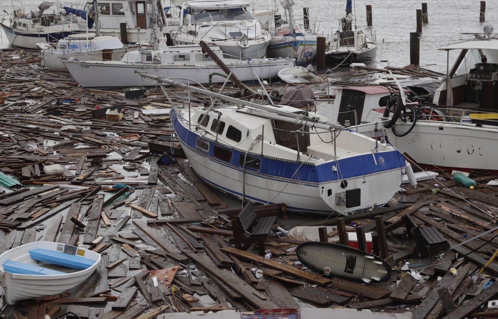 Des bateaux ont été endommagés à la marina de Corpus Christi, au Texas.