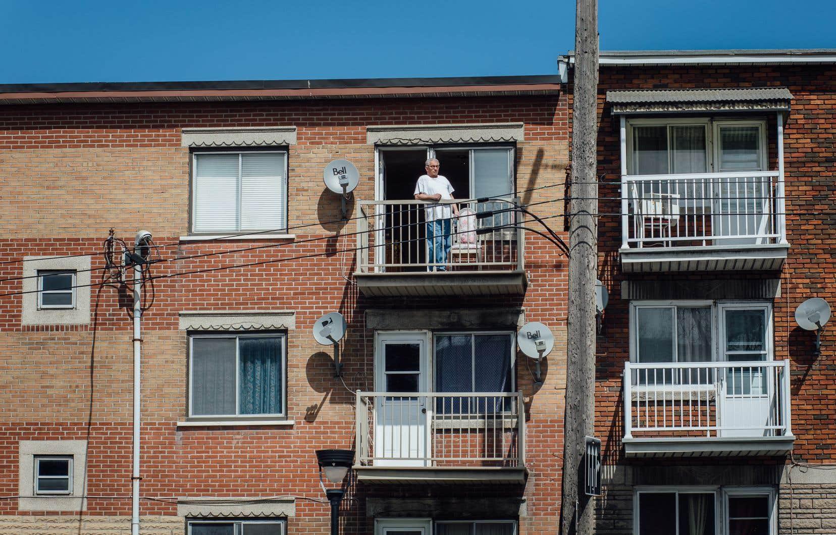 Selon CAA Québec, deux fois plus de personnes que l'année dernière planifient de rester à la maison durant leurs vacances.