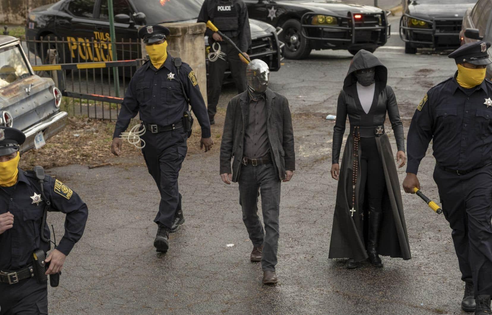 Dérivée d'une série de comics créée dans les années1980 par le Britannique Alan Moore, «Watchmen<i>»</i> semble avoir de bonnes chances d'emporter l'Emmy Award, équivalent des Oscars pour la télévision américaine, dans la catégorie des mini-séries.