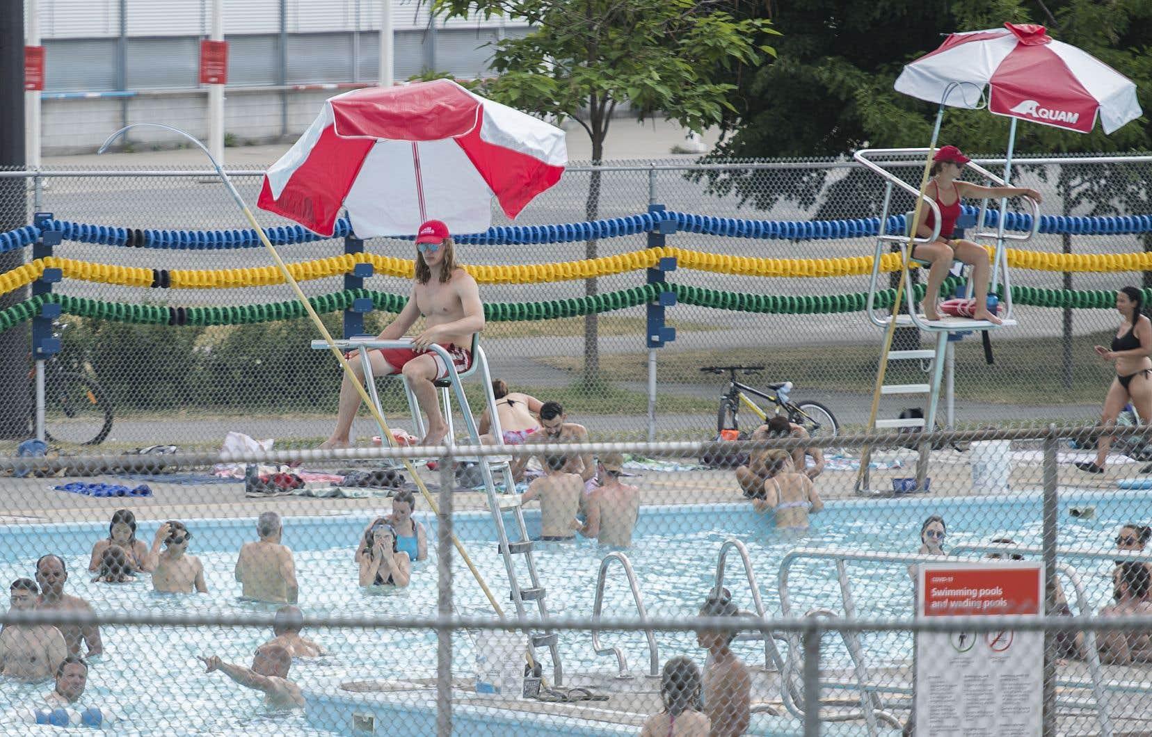 Il y a six jours, l'arrondissement de Lachine a annoncé la fermeture, jusqu'à nouvel ordre, des piscines des parcs Kirkland, LaSalle et Michel-Ménard ainsi que la pataugeoire du parc LaSalle.
