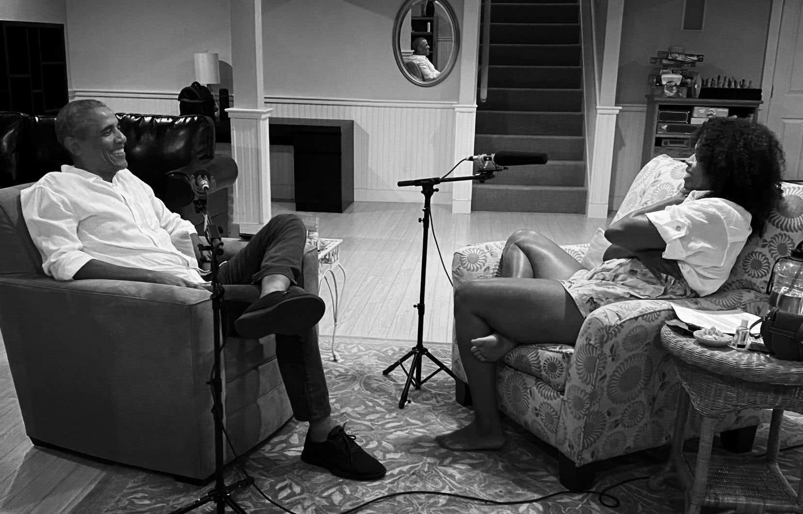 Pour le premier épisode de son balado Intitulé «The Michelle Obama Podcast», disponible depuis mercredi, l'ancienne première dame des États-Unis s'est entretenue avec son mari, Barack Obama.