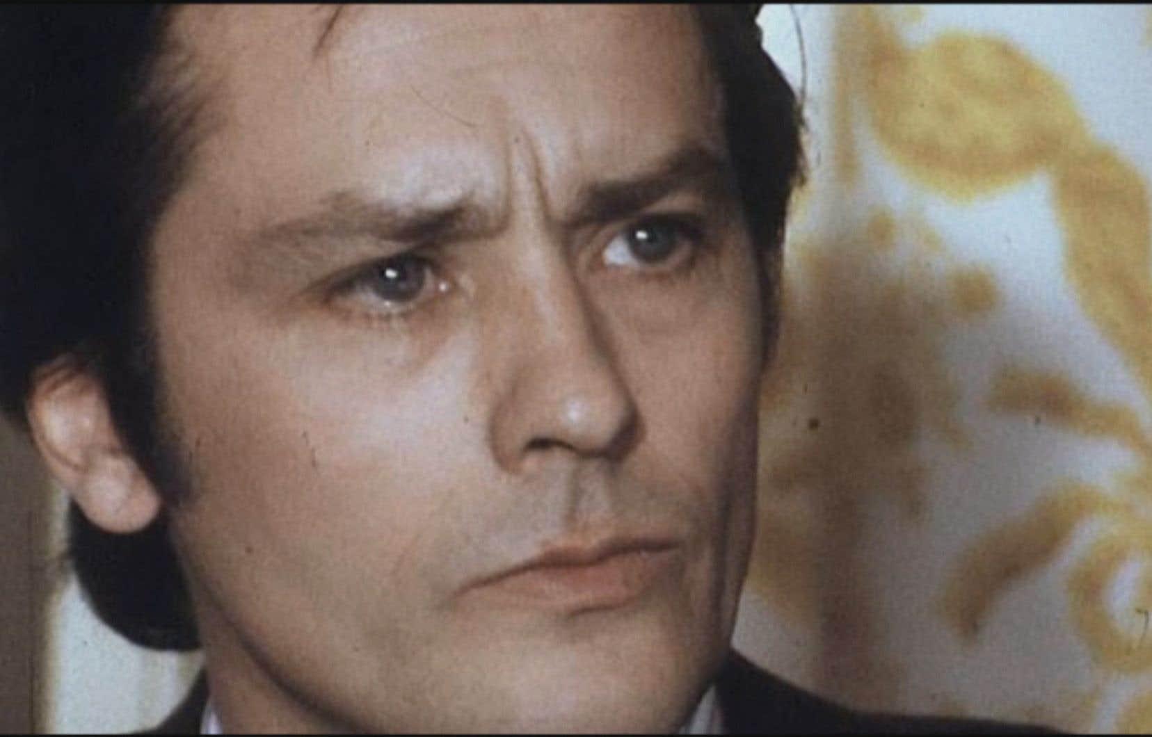Alain Delon aura 85 ans  le 8 novembre. Monstre sacré du cinéma français, il n'a pas que des admirateurs.