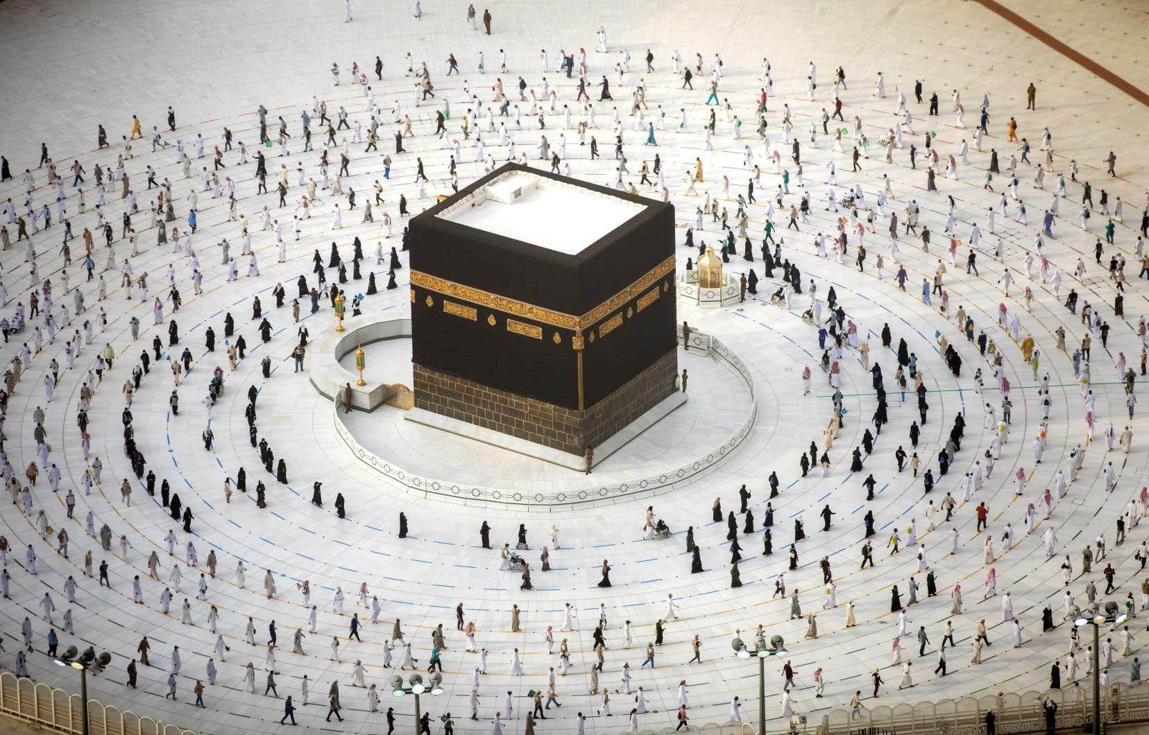 L'Arabie saoudite a déployé un important dispositif sécuritaire et sanitaire autour des sites religieux.